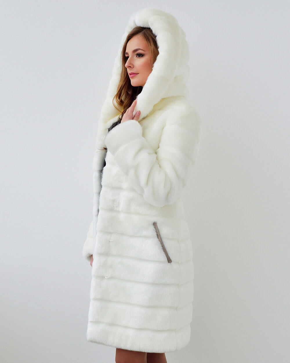 fb6c6e2e2ca66 Faux Fur Coat
