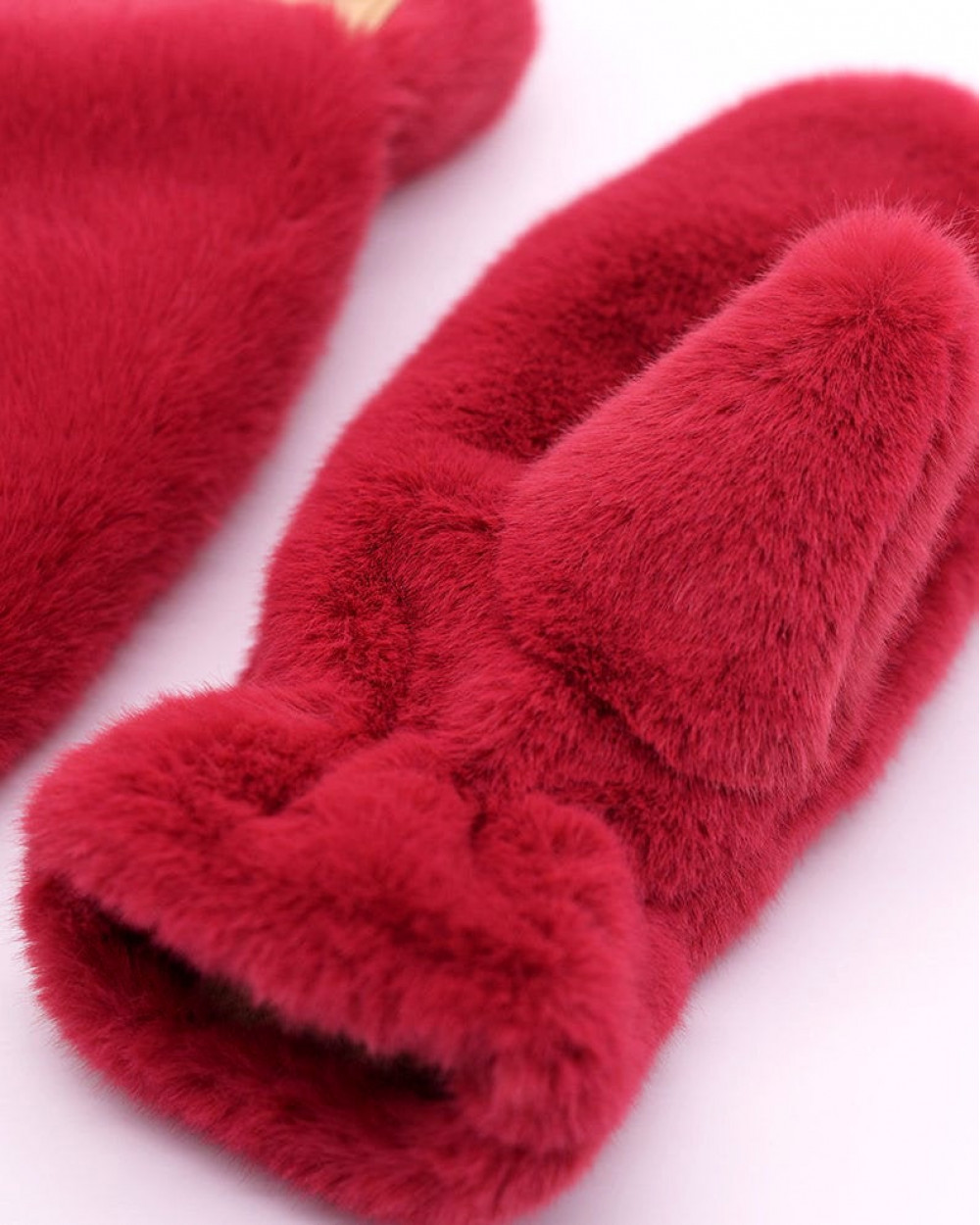 "Faux Fur Mittens ""Hot Pink"""