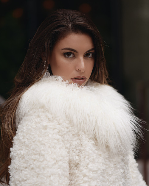 "Faux Fur Collar ""Chic"""